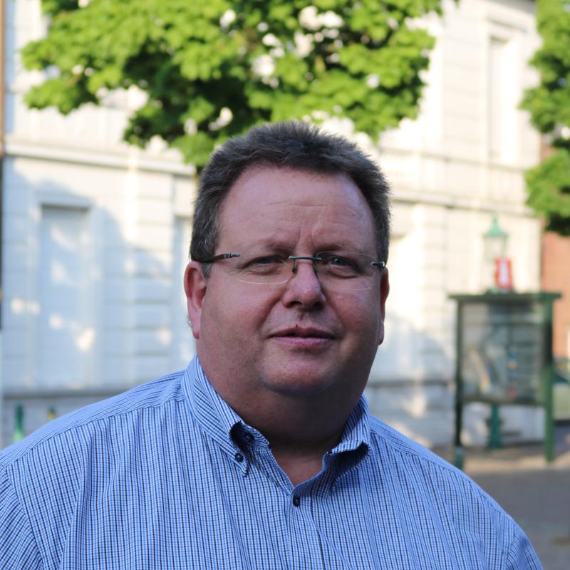 Helmut Thönes